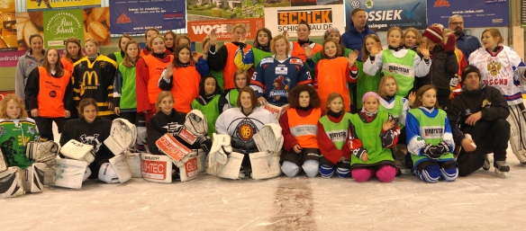 girlseishockeycamp1