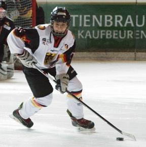 Pauline Gruchot, Eisadler Dortmund und GirlsEishockey.de